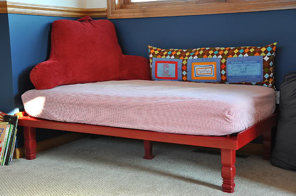 Upcycle Your Crib Mattress Into a Kids' Daybed