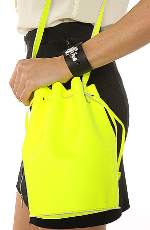 Baggu The Leather Purse in Neon