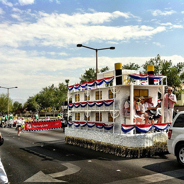 Attend an Independence Day Parade