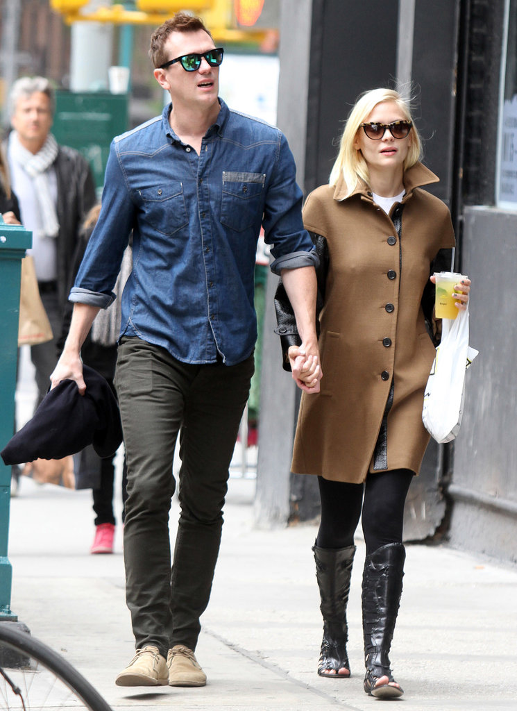 Flats are a good way to stay comfy, but Jaime proves that they don't have to be boring. During a day out with her husband, the actress kept up her style in black sandal boots, then bundled up in a statement coat featuring leather sleeves.