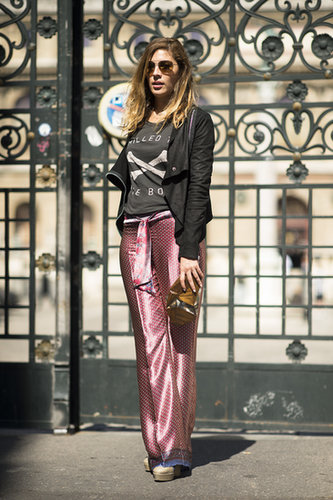 Where high fashion meets hangout gear — a cool tee to top her printed pants. Source: Le 21ème | Adam Katz Sinding
