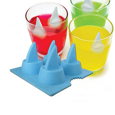 Turn an ordinary drink into a shark-infested frenzy (for less than $2!) with these Shark Fin Ice Molds.