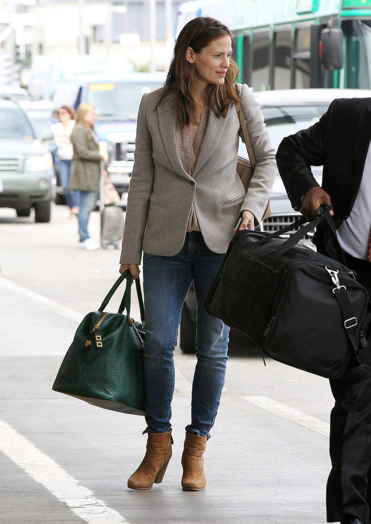 Jennifer Garner Played It Preppy When Heading To Catch Her Flight 71 Style Tips To Steal From
