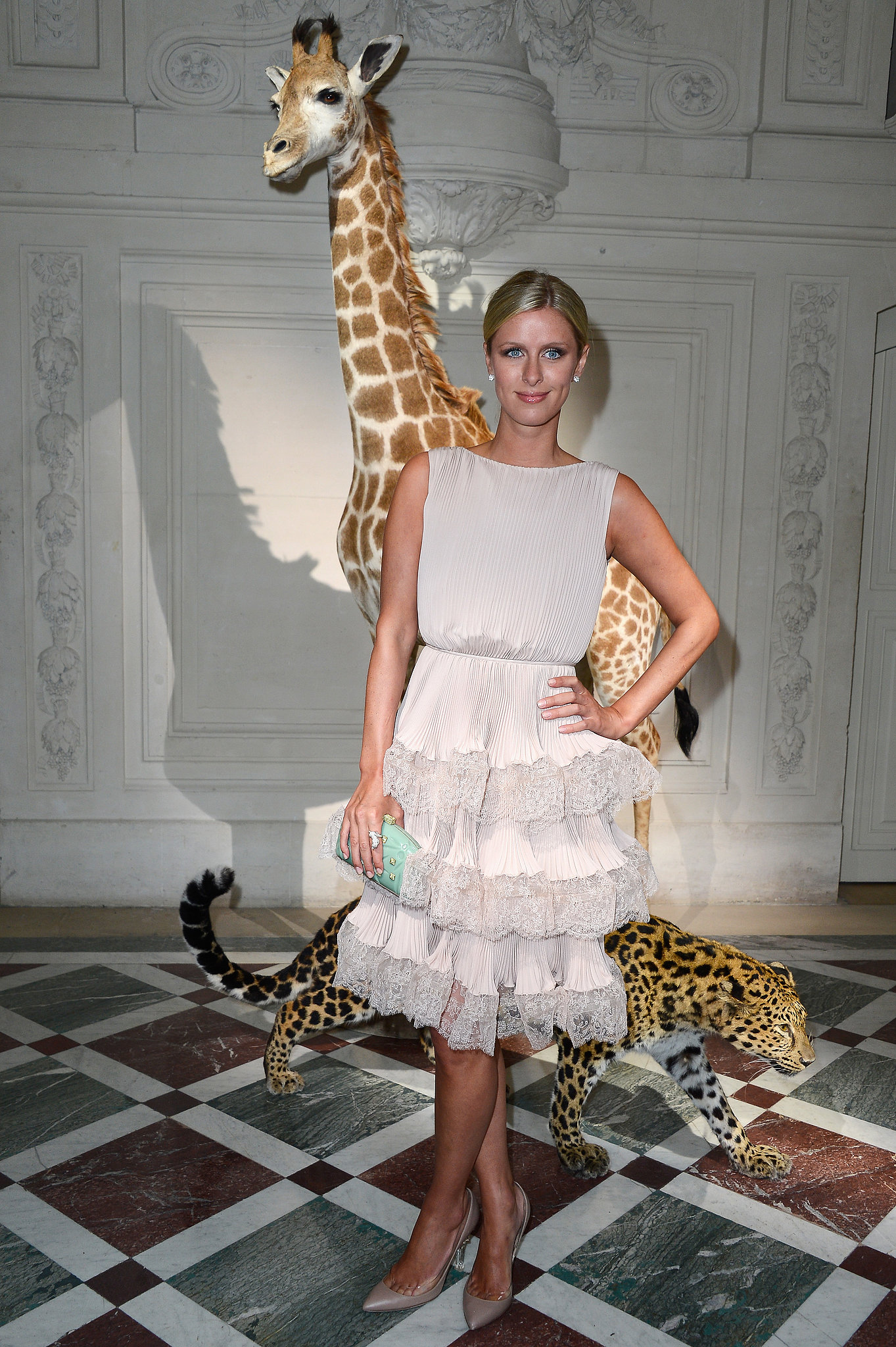 Nicky hilton posed at the valentino show during haute for Haute couture show