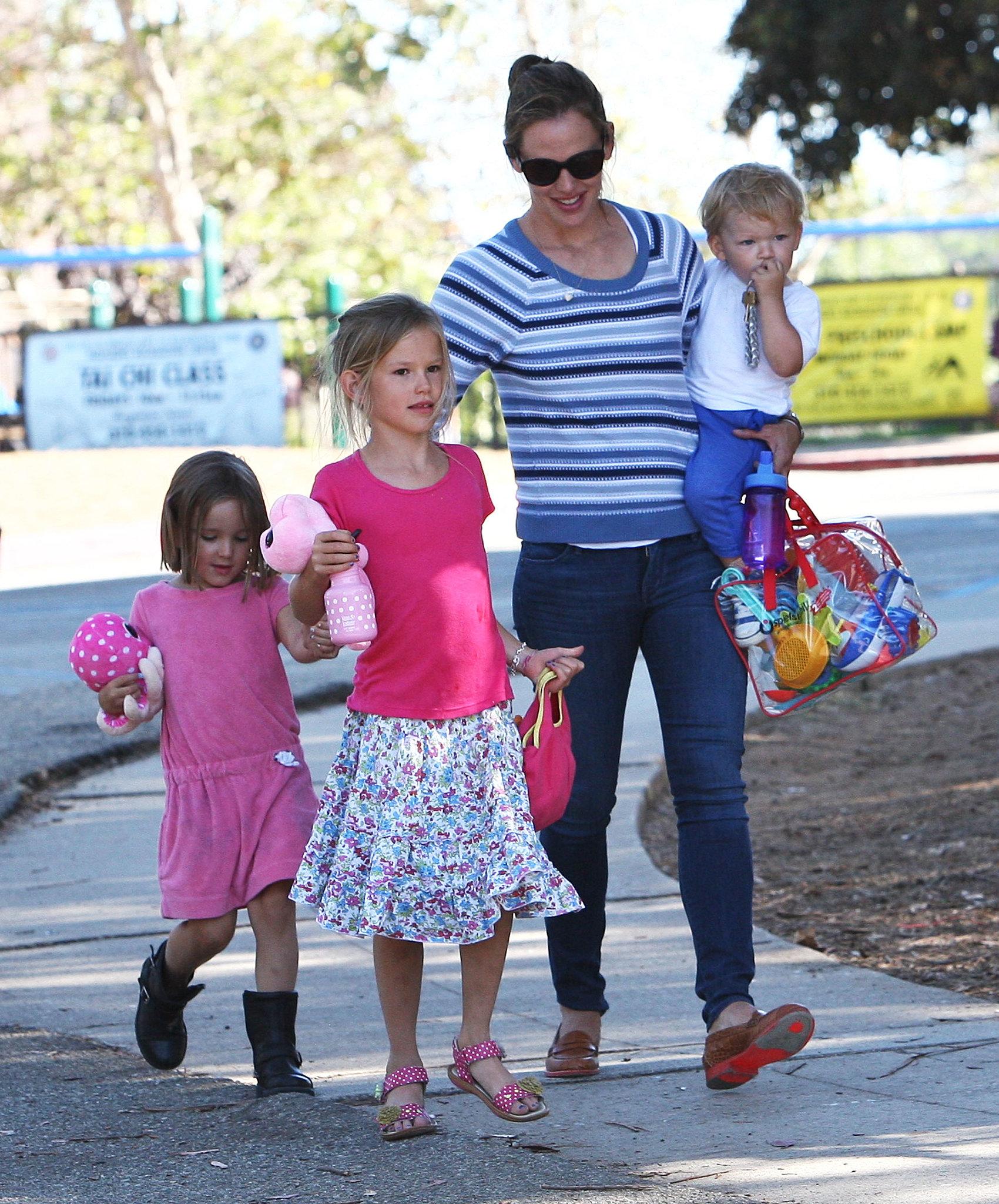 Jennifer Garner left the playground with her kids.