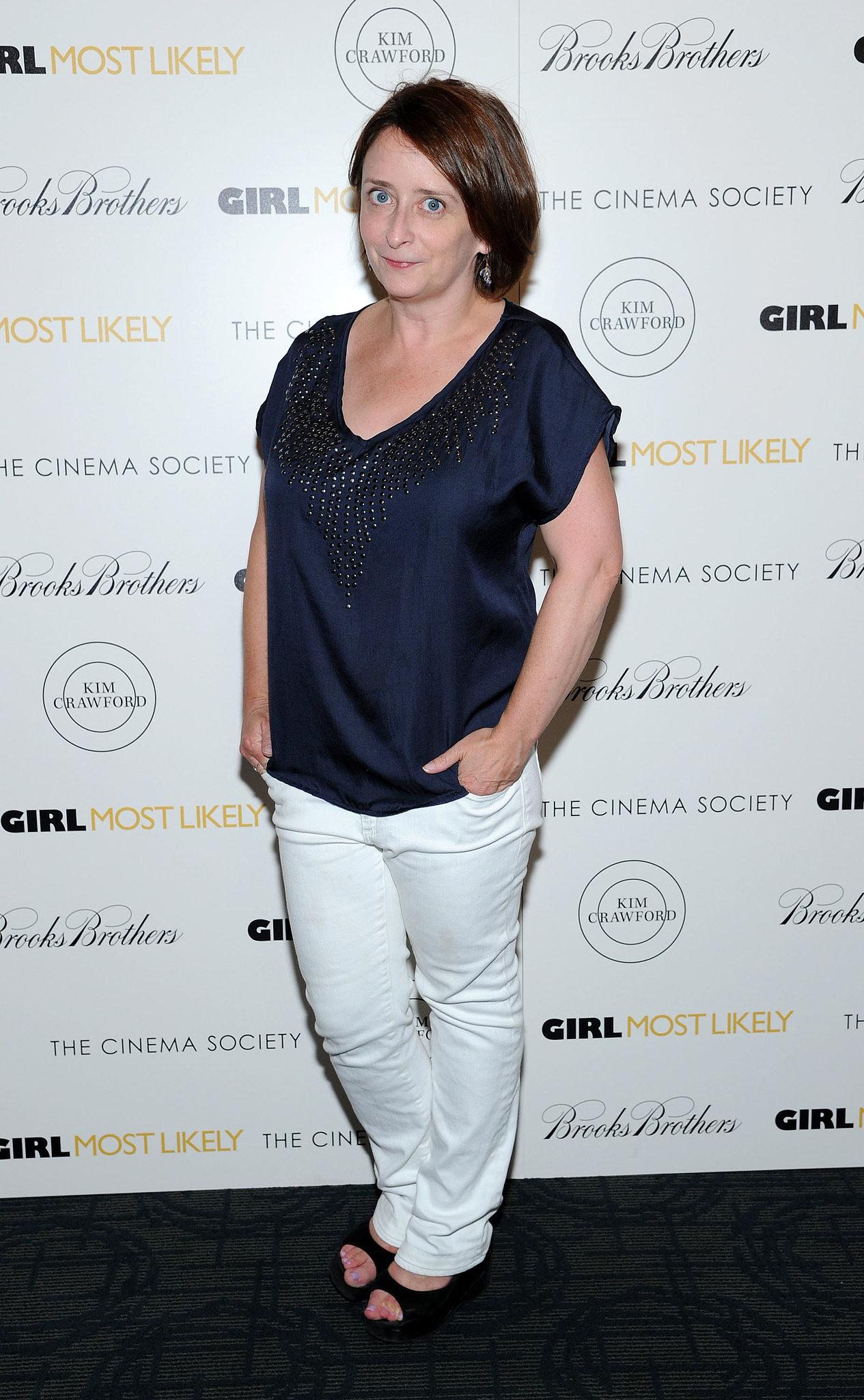 Rachel Dratch wore white pants on the black carpet.