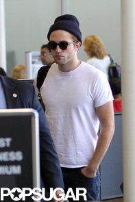 celebrityRobert-Pattinson-LAX-Pictures