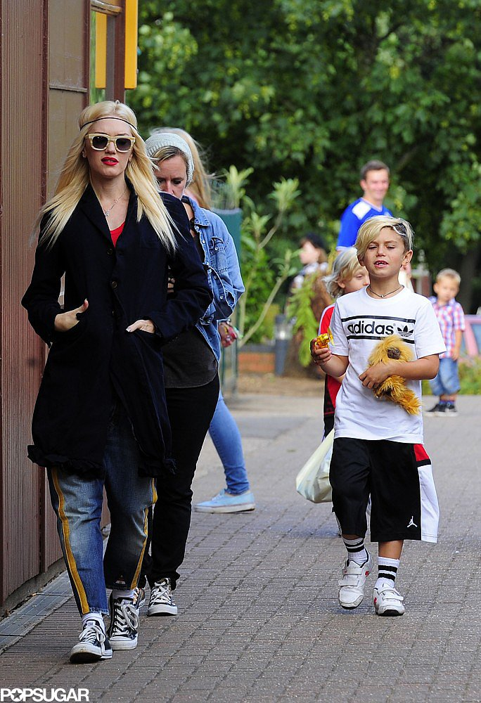 Gwen Stefani and her son Kingston took a walk at the zoo.