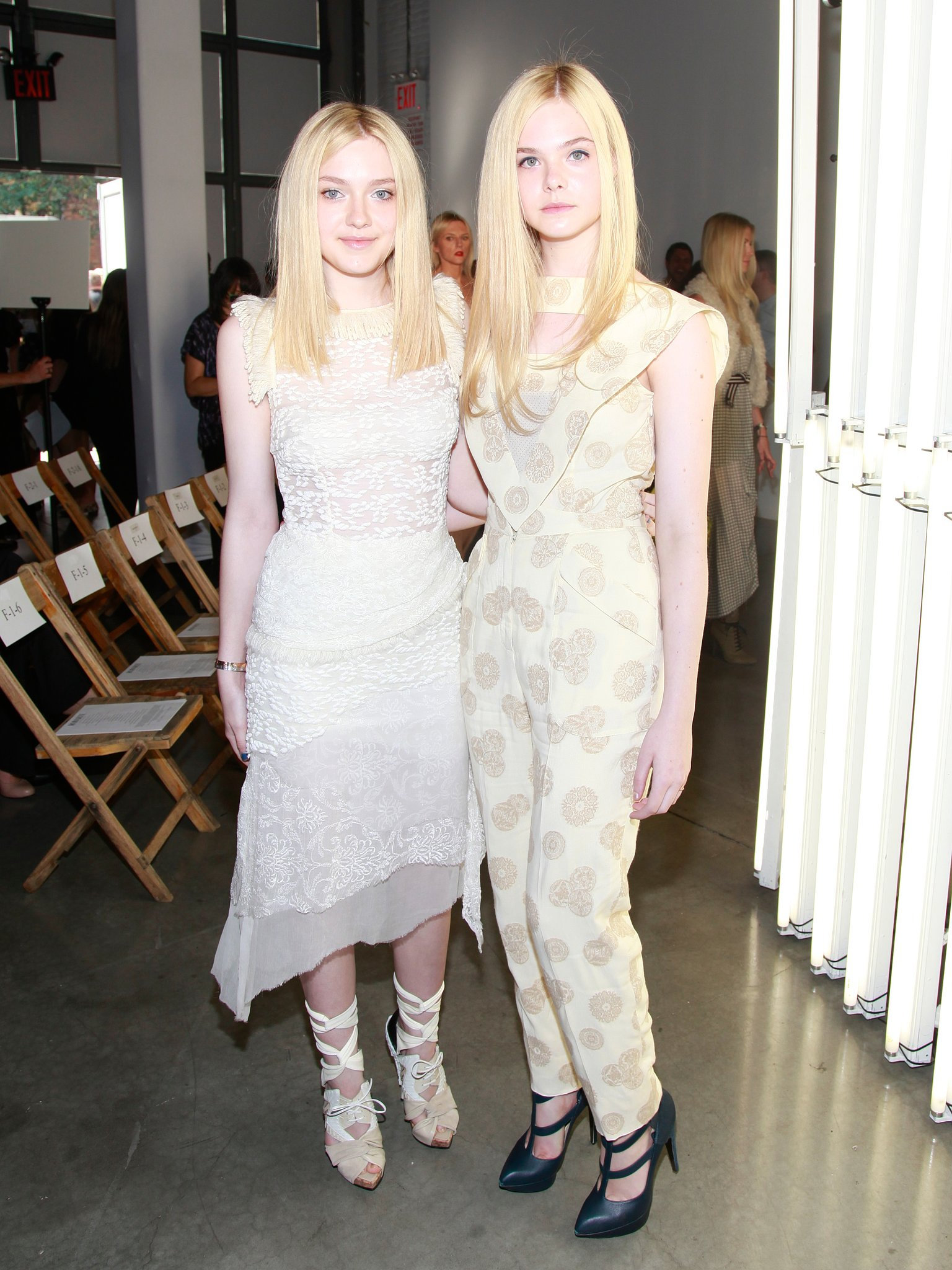 Dakota and Elle Fanning | All in the Family: Our Favorite Style-Setting Sister Acts | POPSUGAR ...