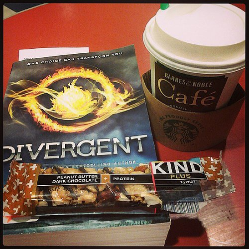 "Thecrandalllife explains her book pick: ""Have an hour of free time and I have been told I should read Divergent by so many people."""