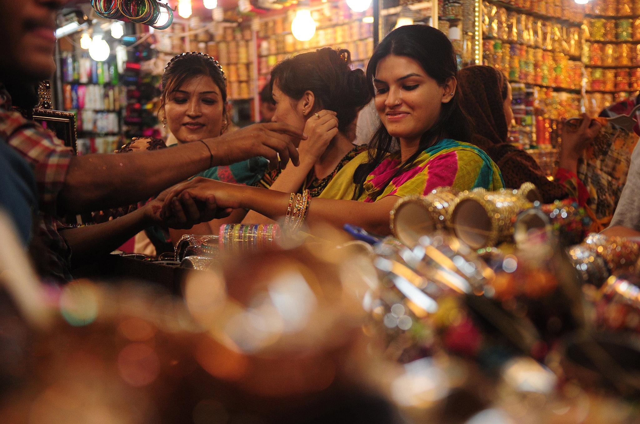 Women in Karachi, Pakistan, shopped for bangles ahead of Eid al-Fitr.