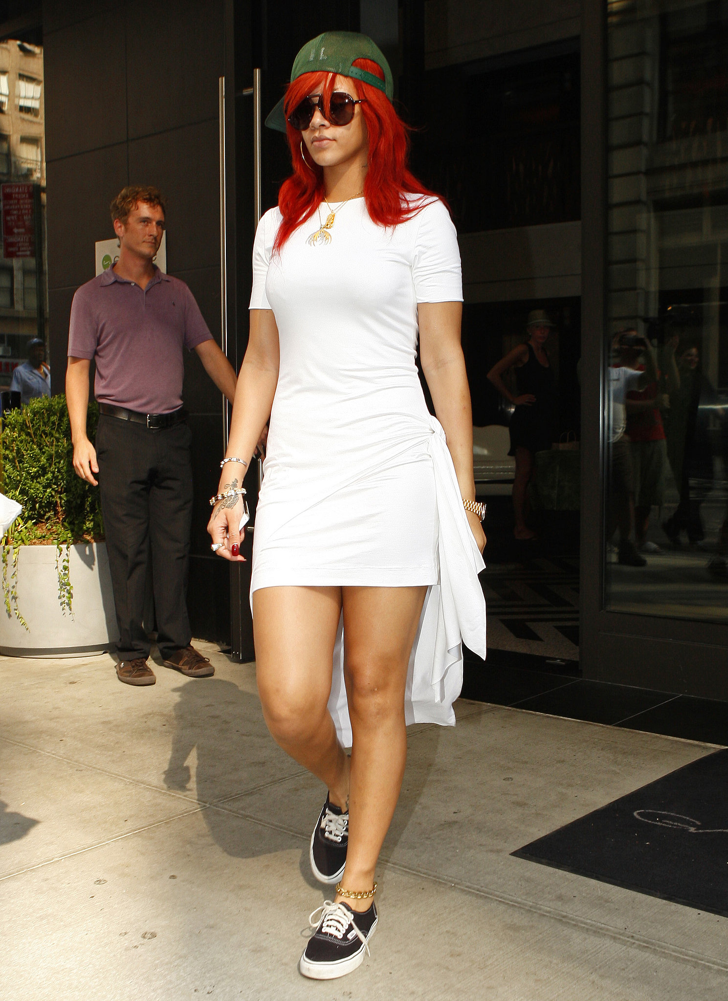 White t shirt dress outfit - Dress Up A Black T Shirt