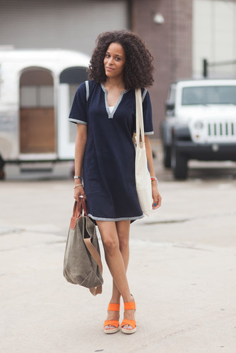 This is what classic Summer style looks like – an easy t-shirt dress, great bag, and pair of bright espadrilles. Source: Le 21ème | Adam Katz Sinding