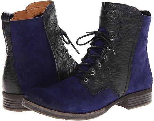 Naya - Agave (Black Leather) - Footwear