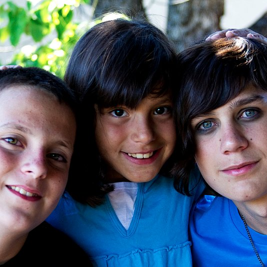 How to Prevent Middle Child Syndrome