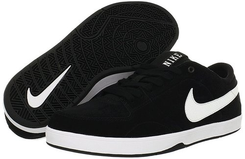 Nike Action - Mavrk 3 (Black/White) - Footwear