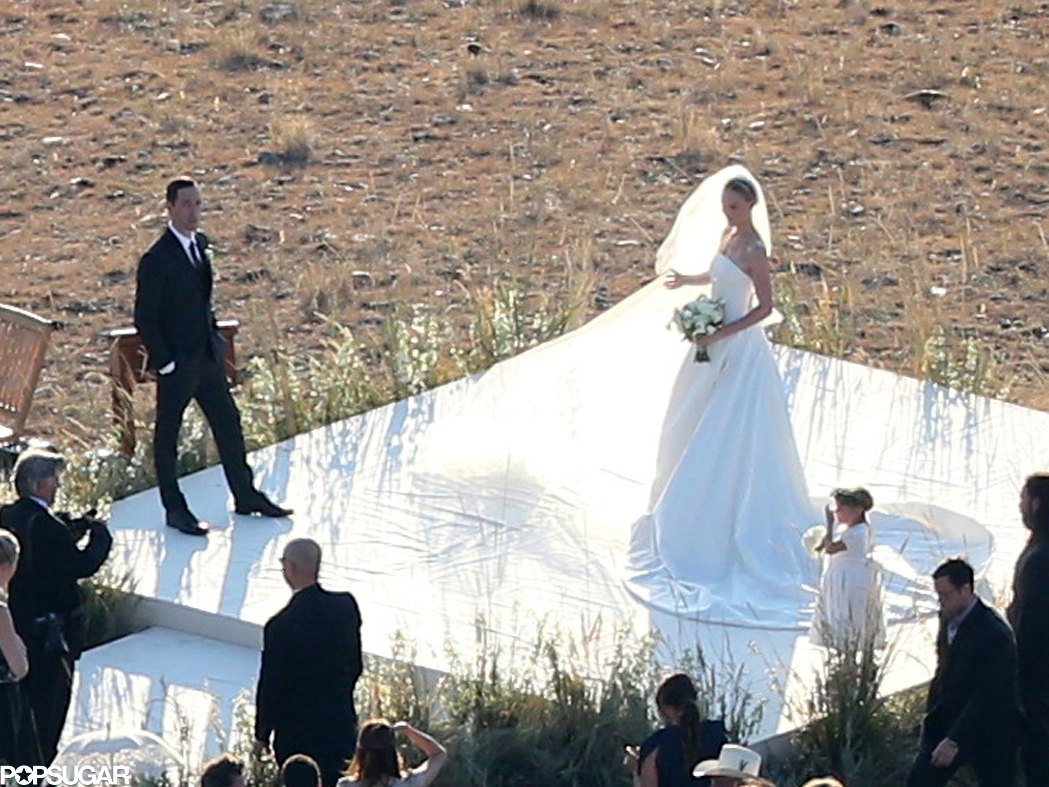 Kate Bosworth wore a long veil with her dress.