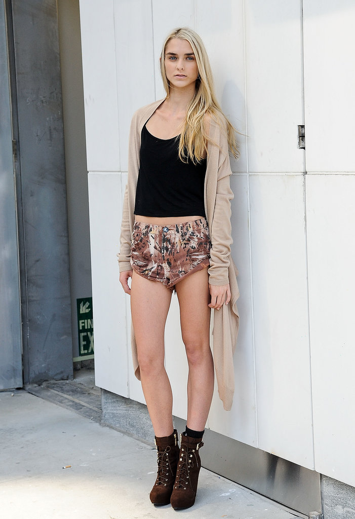 Animal-print cutoffs made this casual look pretty fierce.