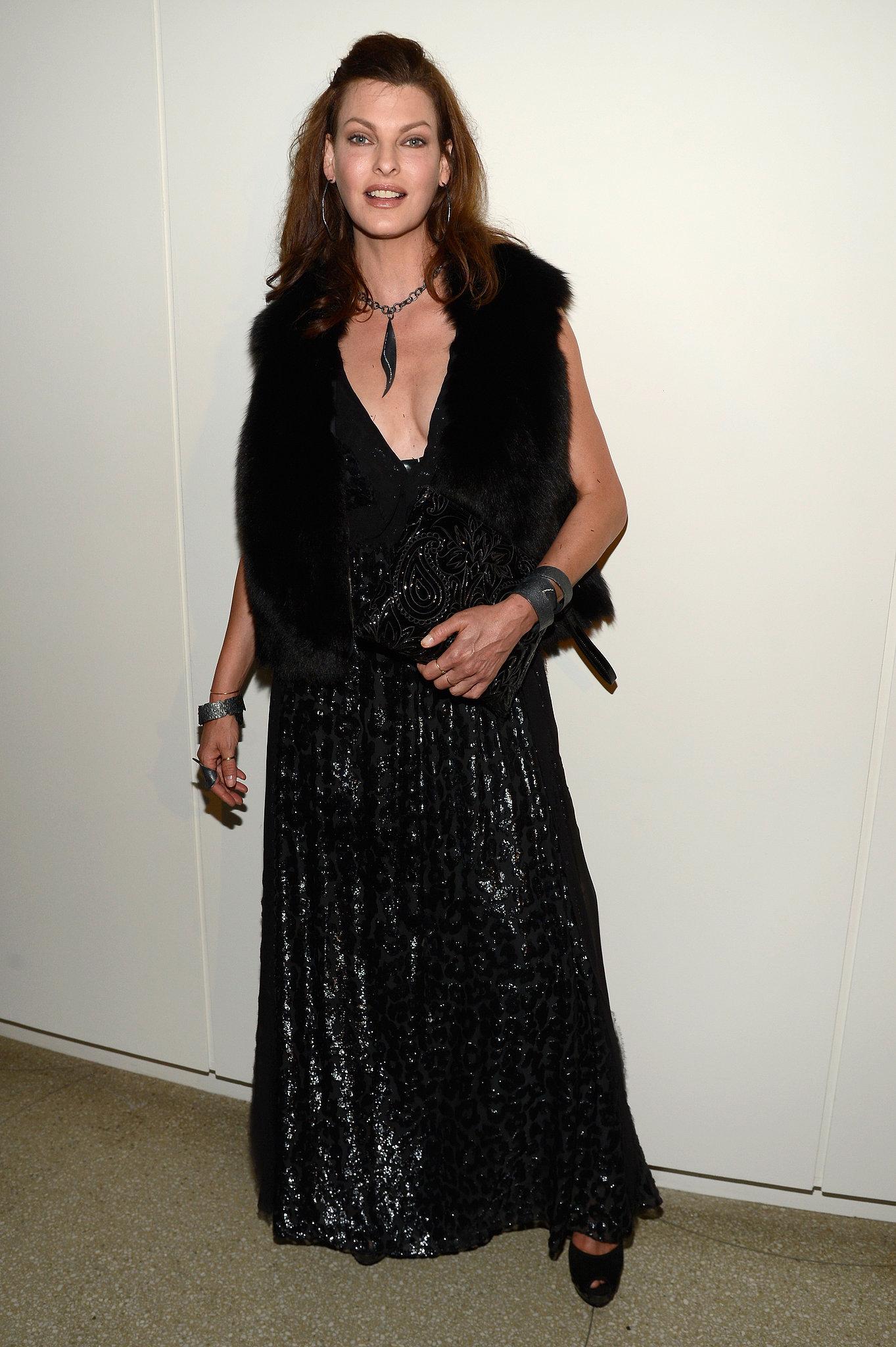 Linda Evangelista wore a black gown.