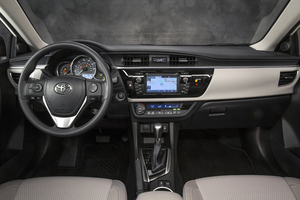 Lush Seats, But Not-so-Luxe Detailing