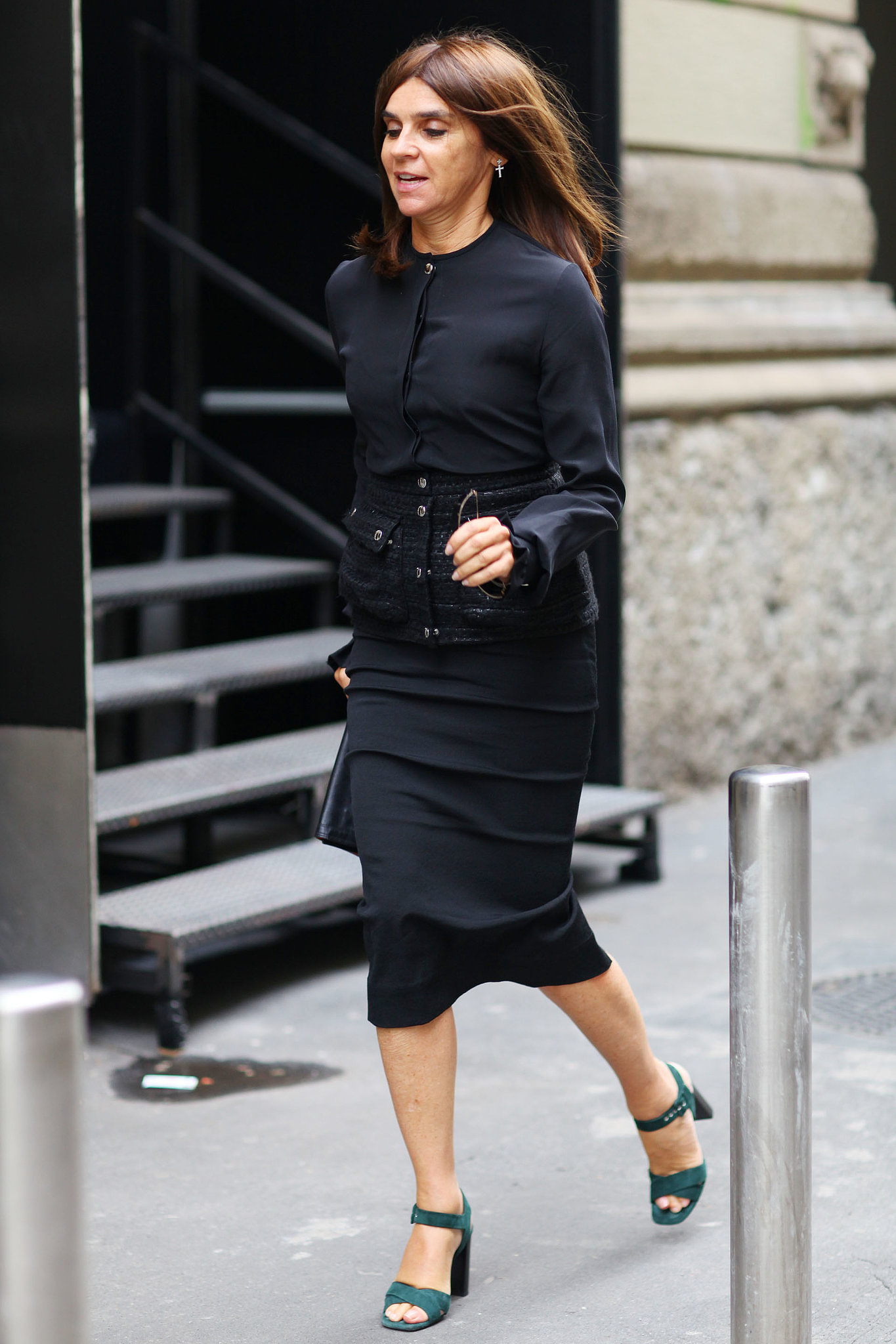 Carine Roitfeld Makes The Run From Show To Show That Much More Street Style The Fashion