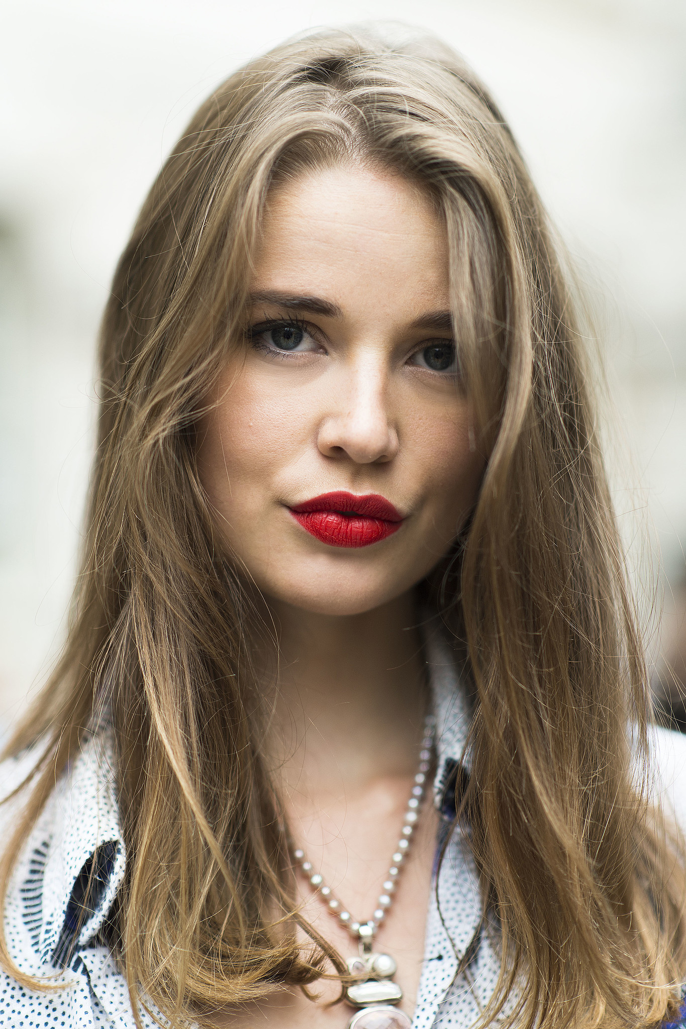 A swipe of lipstick is always the best way to pull a look together. Source: Le 21ème | Adam Katz Sinding
