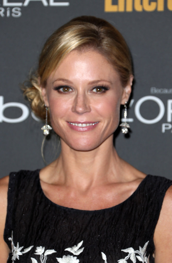 Julie Bowen opted for a slick side bun and glossy lips at Entertainment Weekly's pre-Emmys party.