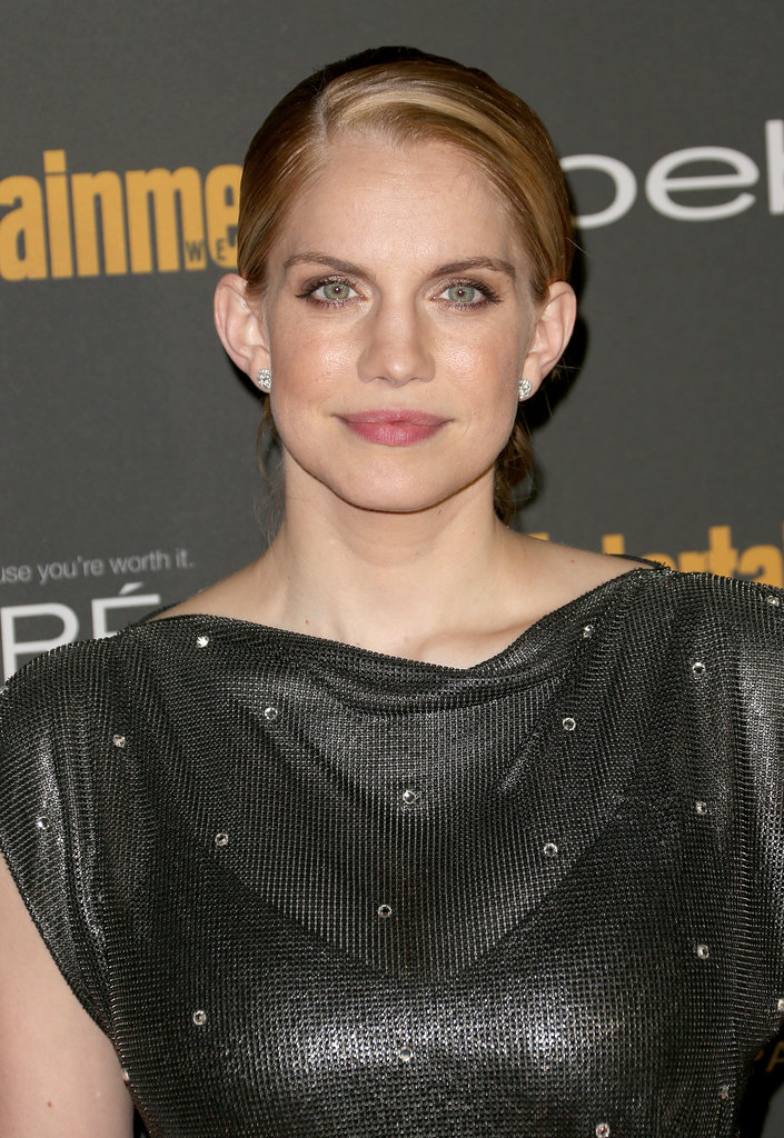 Anna Chlumsky's glamorous updo and neutral makeup was simple and sweet at Entertainment Weekly's pre-Emmys party.