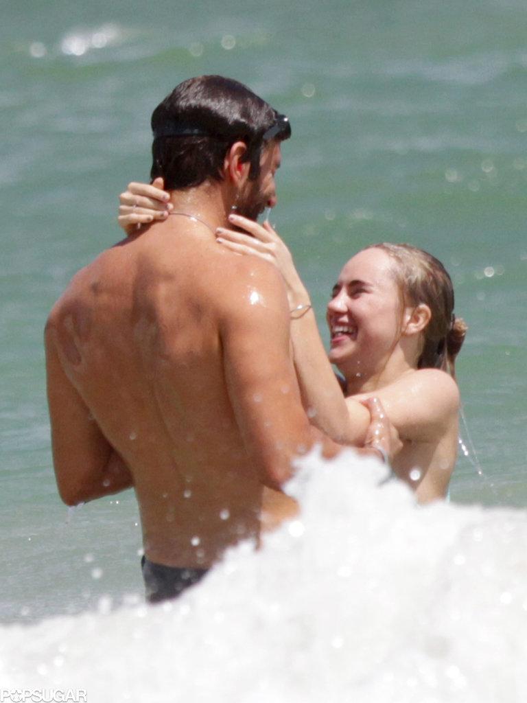 Bradley Cooper had Suki Waterhouse cracking up during their Hawaiian vacation.