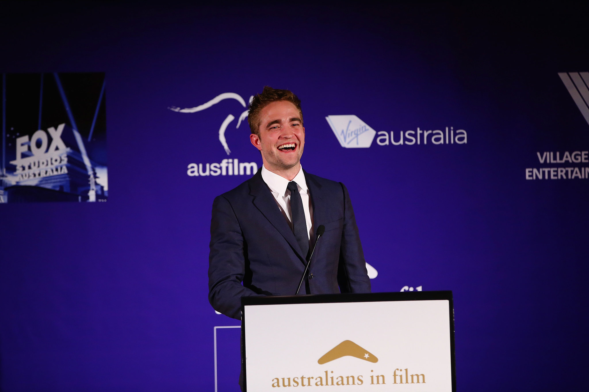 Robert Pattinson presented an award at LA's Australians in Film Awards.