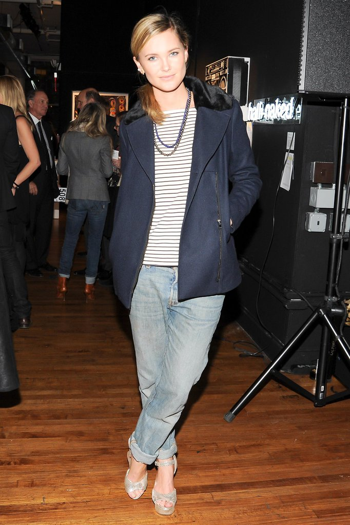 Kyleigh Kuhn opted for a casual turn at the Artwalk New York benefit.
