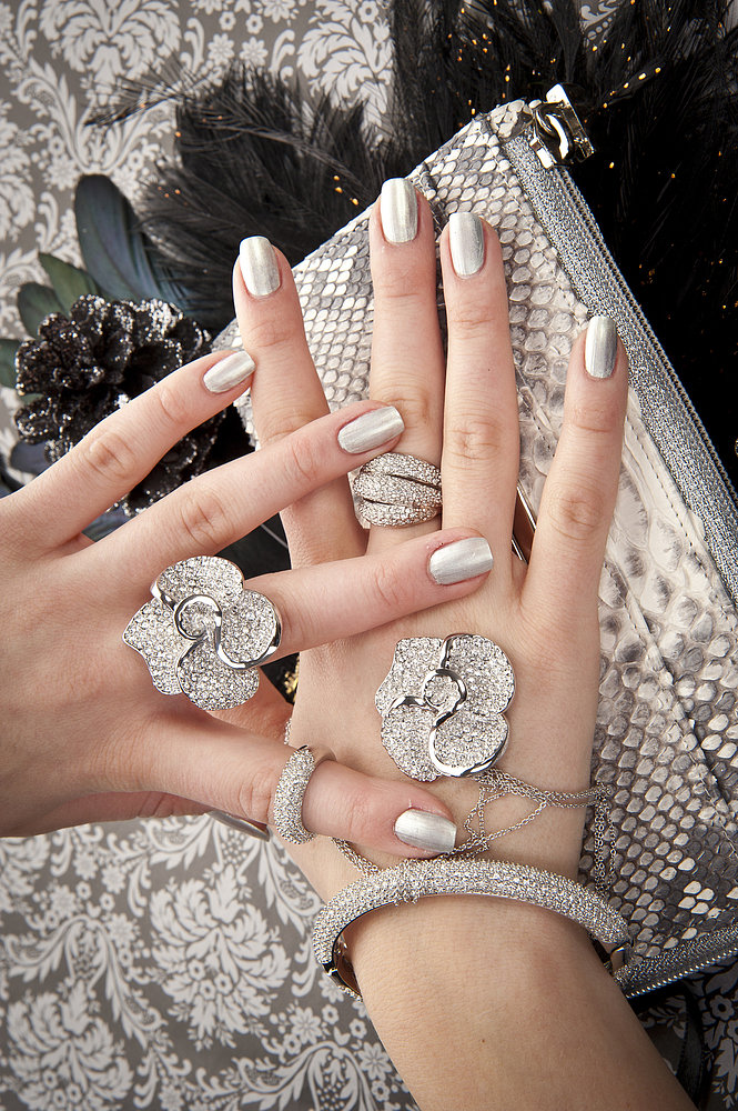 Try a Touch of Glitter on Your Fingertips