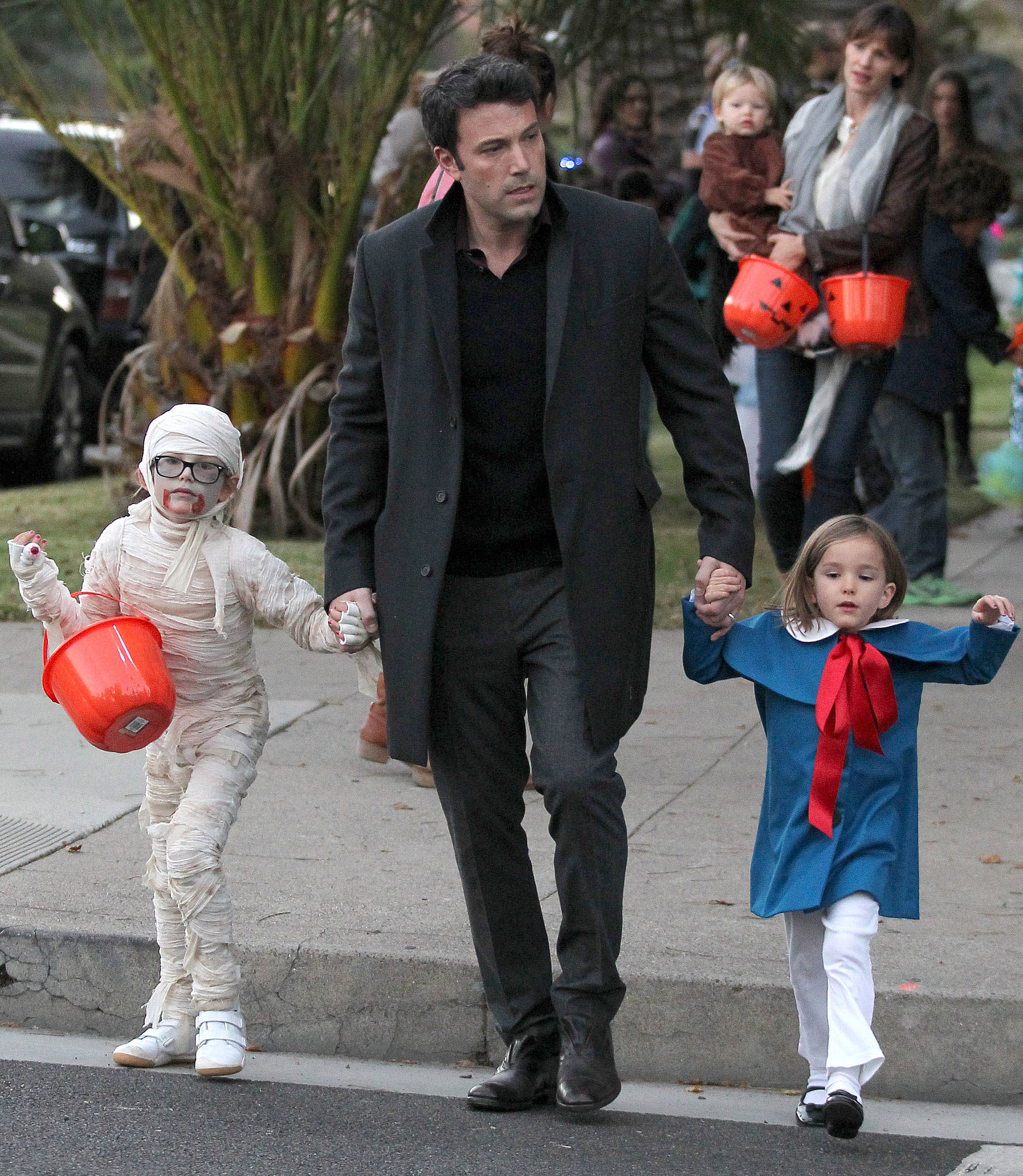 Ben and Jen Leave the Costumes at Home For Trick-or-Treating