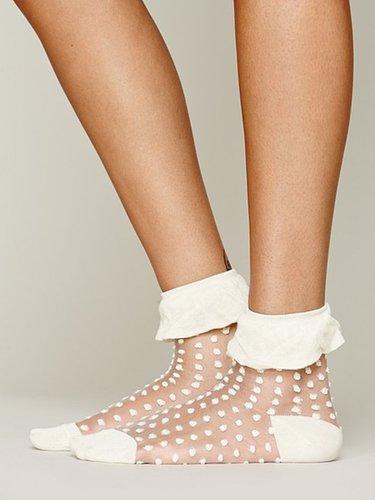 Mono Ruffle Anklet