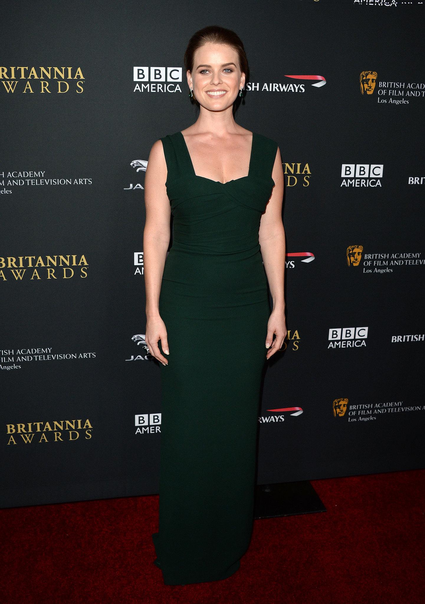 Alice Eve sported a darker 'do on the red carpet.
