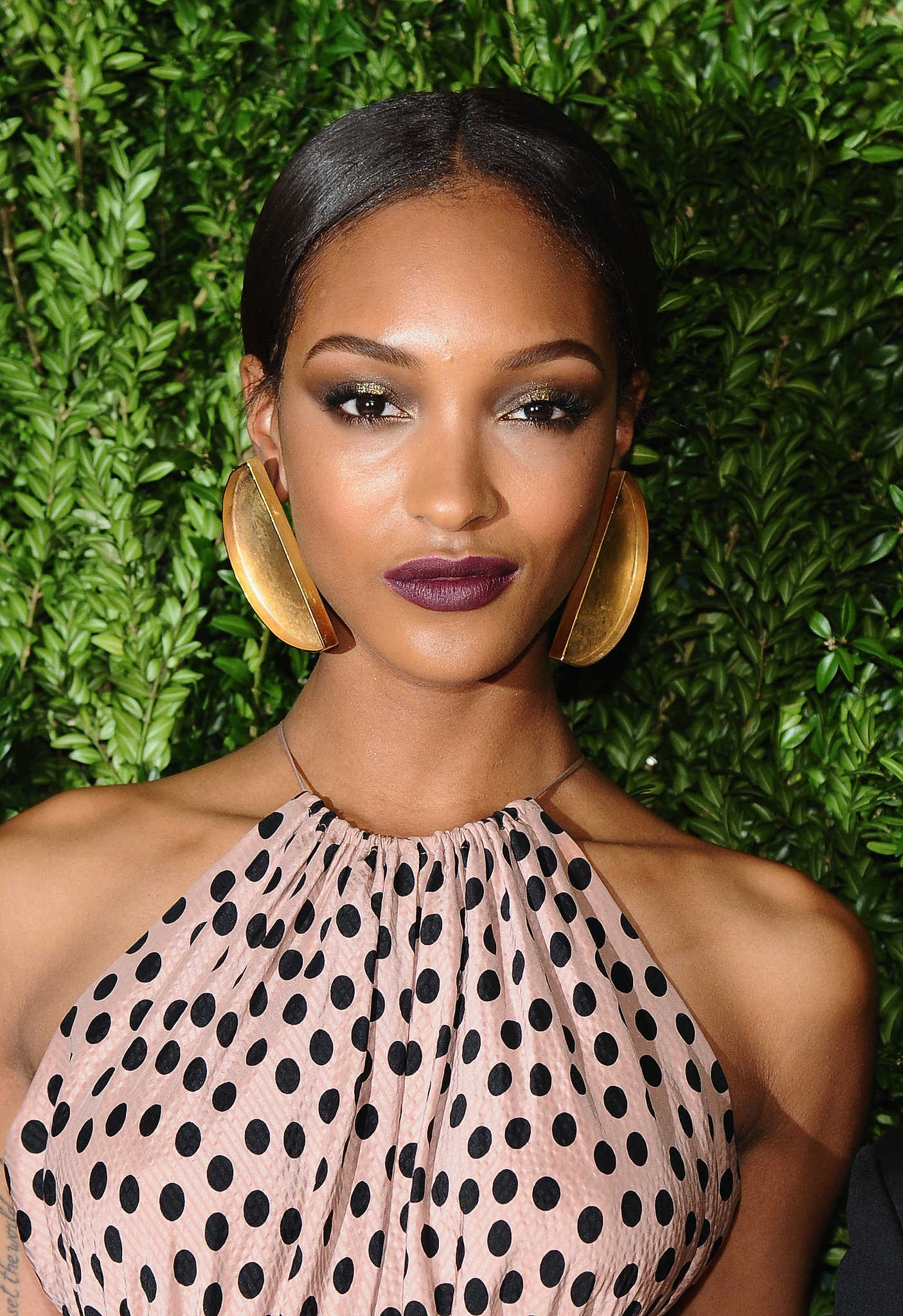 We can't get enough of Jourdan Dunn's wine-colored lipstick, which looked gorgeous with her statement earrings.