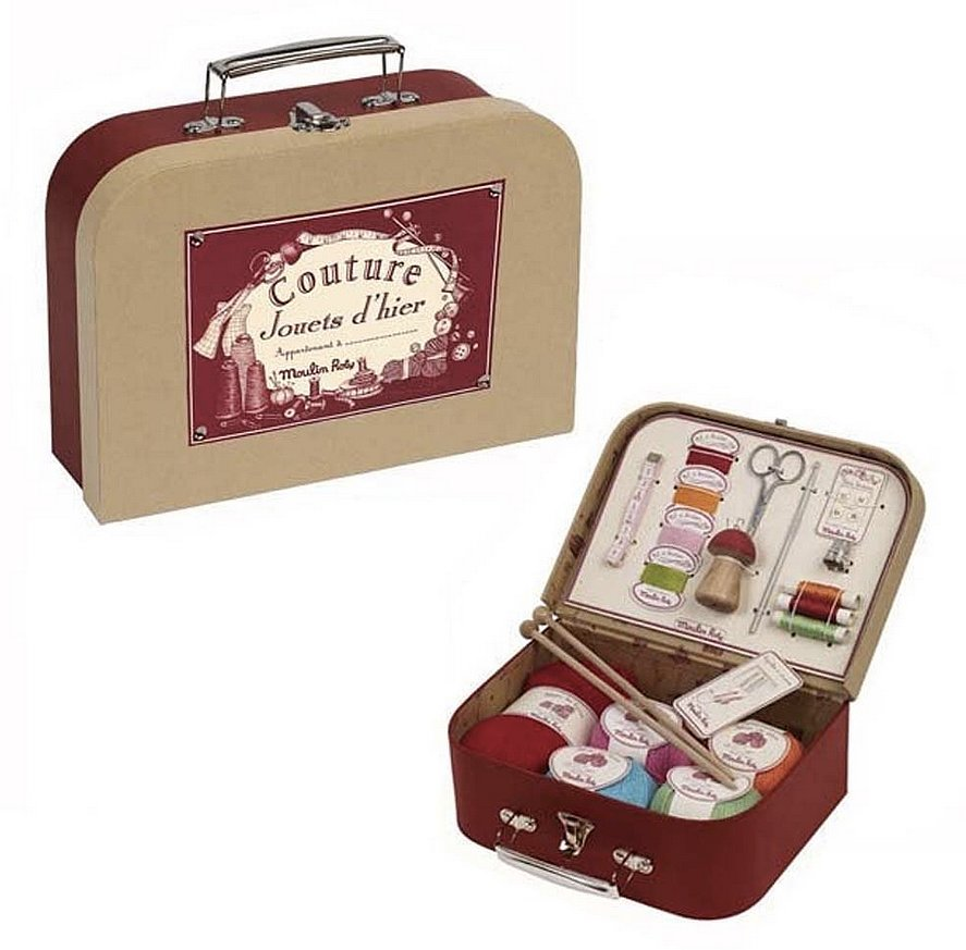 For 7-Year-Olds: Moulin Roty Les Valises Sewing Kit