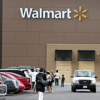 Walmart Offers Black Friday Pricing a Week Early
