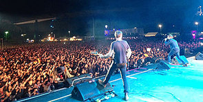 Blur Pull Out of Big Day Out 2014