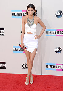 Presenter-Kendall-Jenner-showcased-her-model-frame-white-cutout