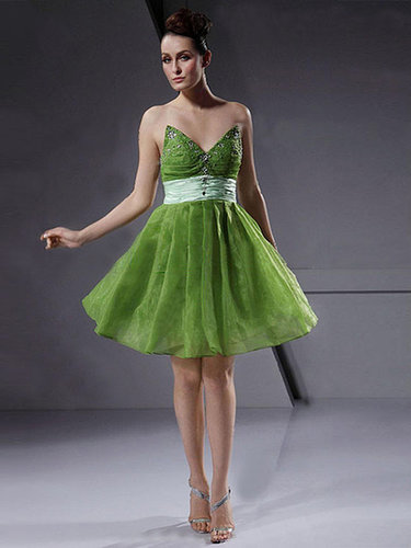A-line Sweetheart Organza Knee-length Beading Cocktail Dresses at sweetquinceaneradress.com