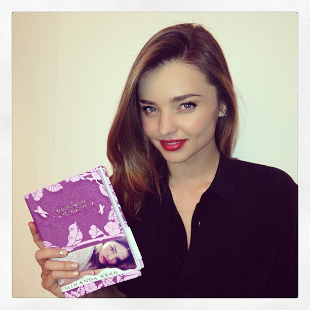 http://media2.popsugar-assets.com/files/2013/11/29/165/n/4852708/3a70439eb3ea168c_4_Miranda.xxxlarge/i/Miranda-Kerr-posed-copy-her-second-book-Empower-Yourself.jpg