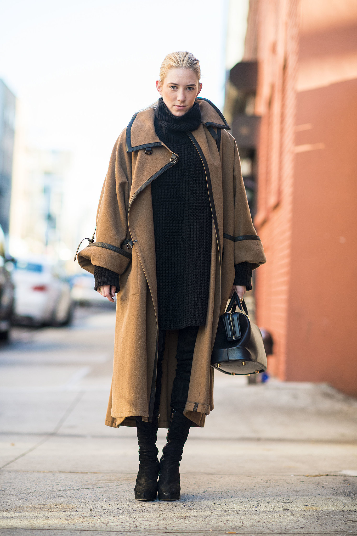 This is why we'll never tire of a great coat — invest in one and wear it proudly all season. Source: Le 21ème | Adam Katz Sinding