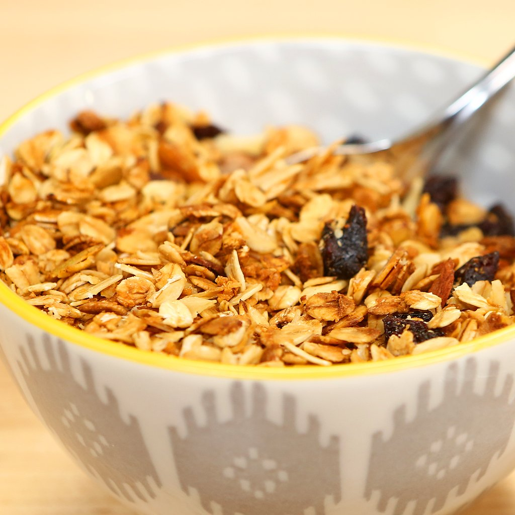 A Healthy Holiday DIY: Homemade Granola in a Mason Jar!