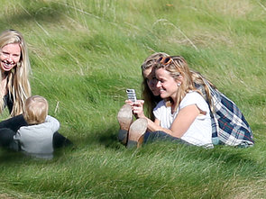 Reese-Witherspoon-had-her-daughter-Ava-help-her-take-photos-her