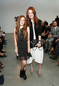Julianne-Moore-brought-her-daughter-Liv-New-York-Fashion-Week