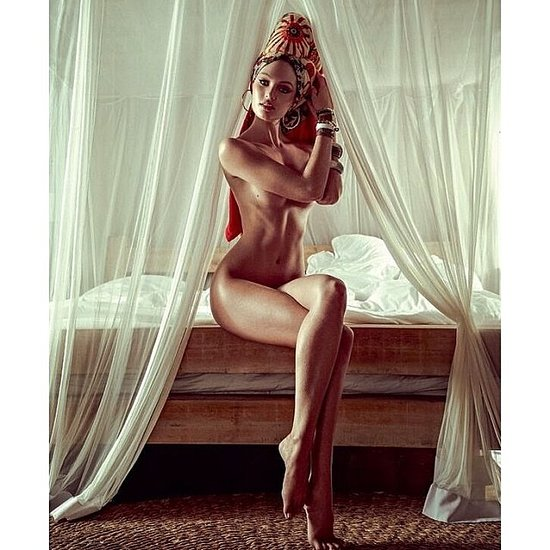 Celebrity Fashion, Beauty Instagram Pics: Candice Swanepoel