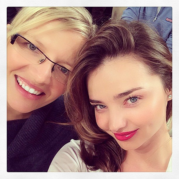 Aussie stunner Miranda Kerr treated her cousin Bec to a New York Knicks game — and made time for a selfie, of course! Source: Instagram user mirandakerr