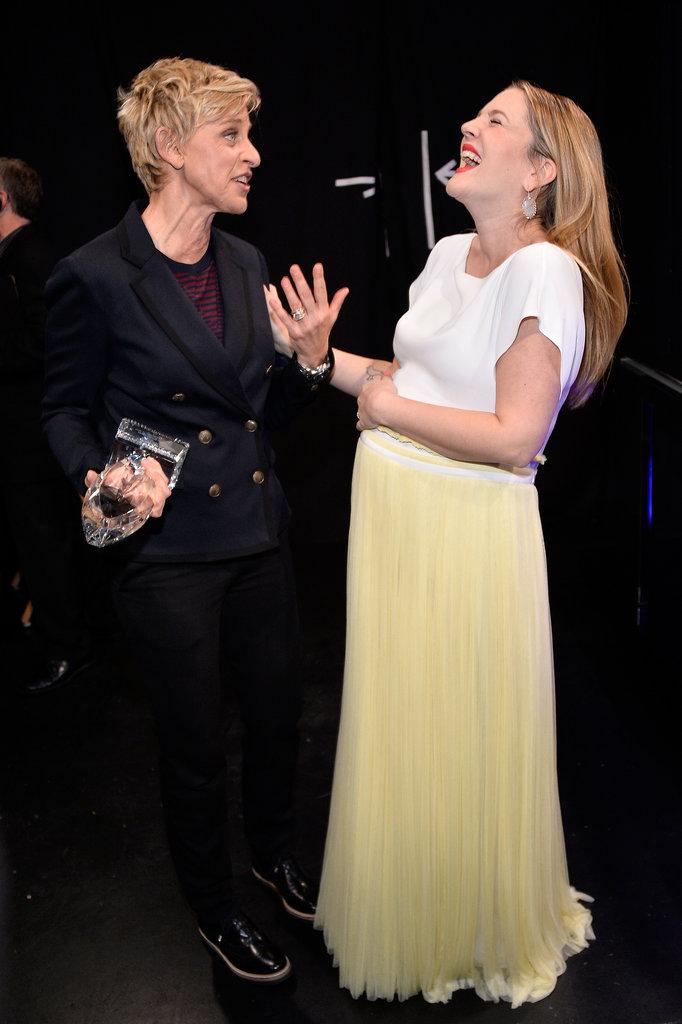 Ellen and Drew had a backstage giggle fest.
