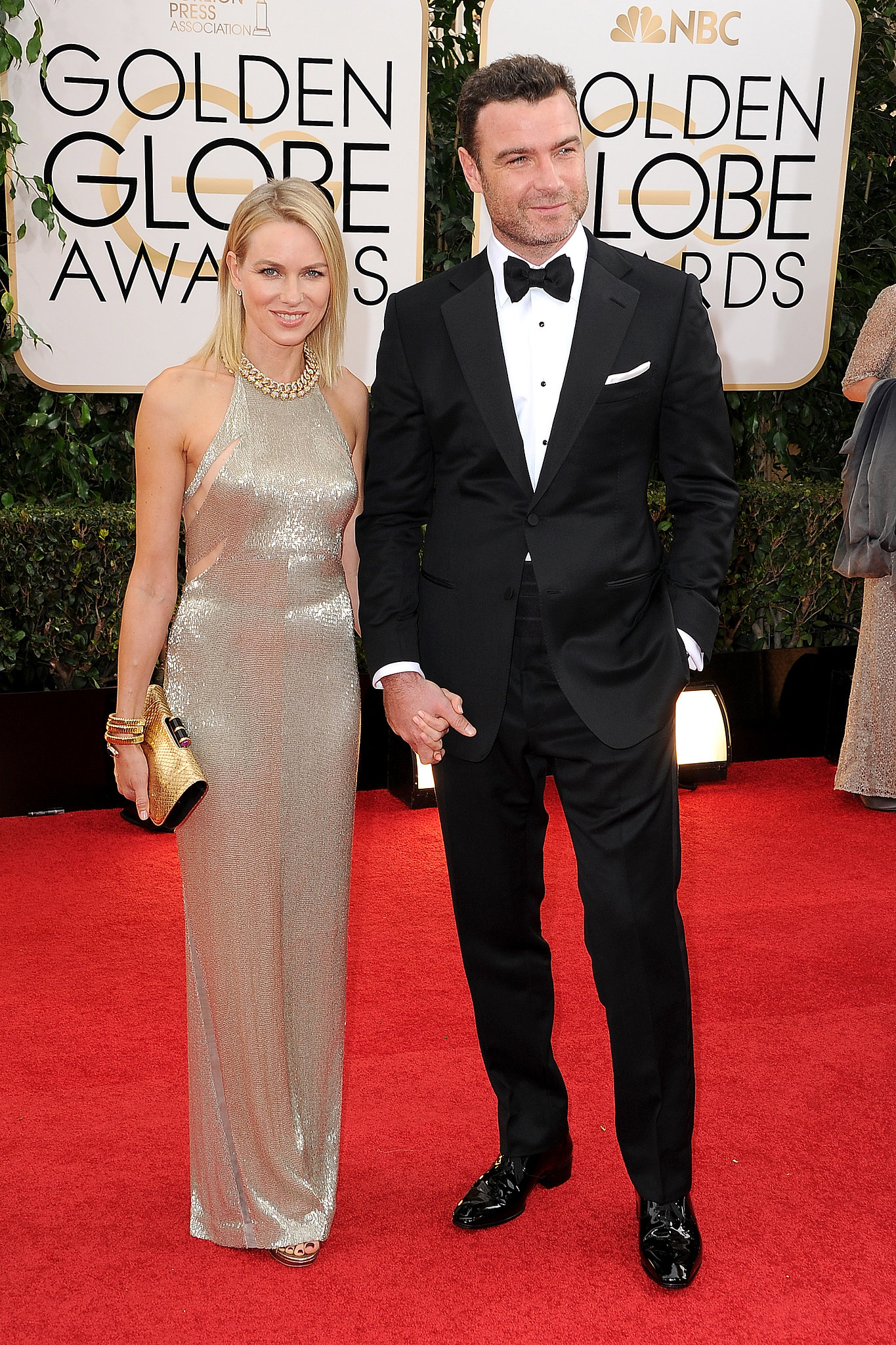 Naomi Watts and Liev Schreiber held hands on the Golden Globes red carpet.